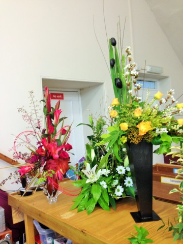 Flower arranging led by Lynne Spring 2019 - photo 2
